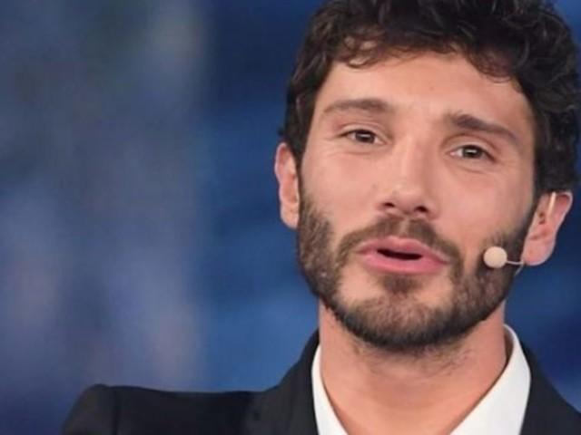 """""""Stasera tutto è possibile"""". La Rai ha preso una decisione su Stefano De Martino e il su programma"""