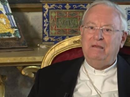 """Scuola, cardinal Bassetti: """"Italia è fanalino di coda su stipendi a insegnanti"""""""