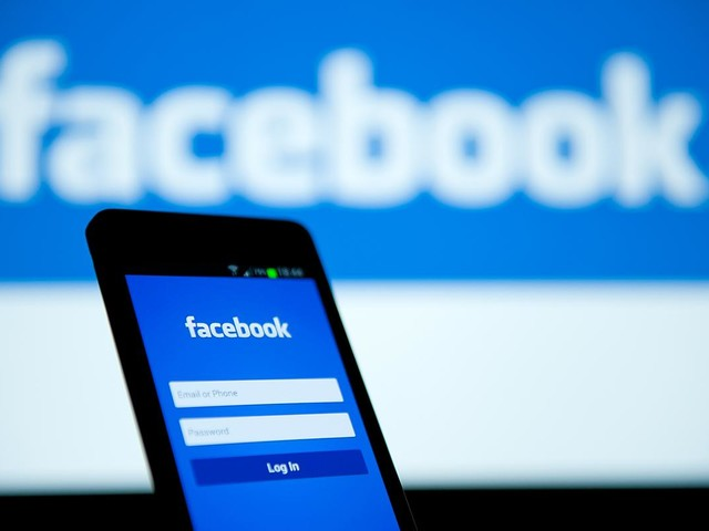 """Ex dipendente attacca Facebook: """"Sta distruggendo la società"""""""