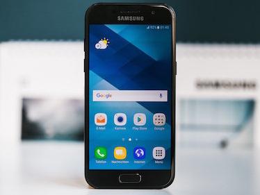 Vodafone regala un Samsung Galaxy A3 2017 per il Black Friday