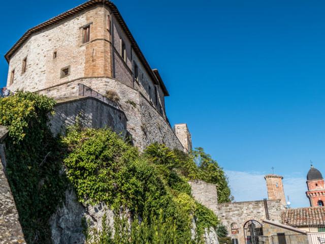Cosa vedere nel borgo marchigiano di Frontone