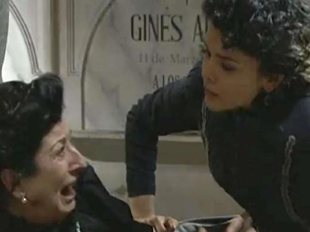 Una Vita, spoiler al 3 agosto: Blanca sul punto di uccidere la madre Ursula