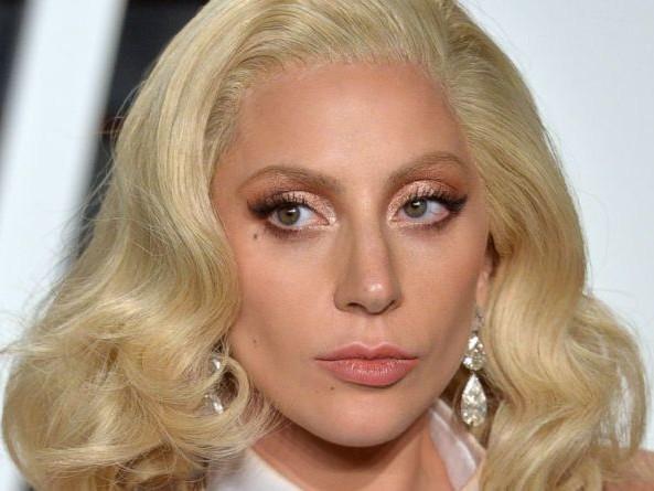 Lady Gaga malattia: cos'è la Fibromialgia?