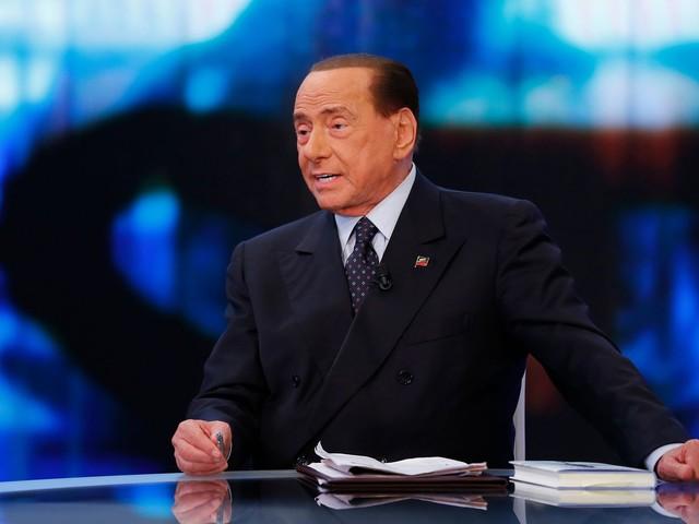 """Berlusconi non molla: """"Siamo il centrodestra"""""""