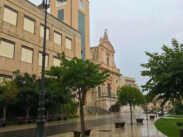 Covid19, 22 positivi ad Ispica, contagiato un dipendente comunale, uffici chiusi