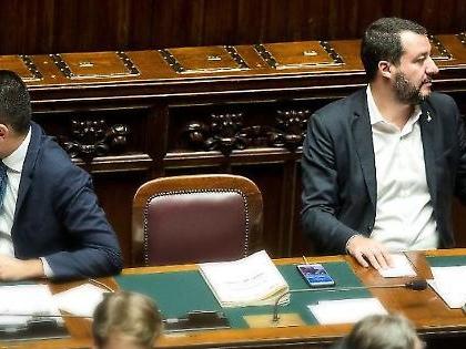 Matteo Salvini, il retroscena: trenta parlamentari pronti a lasciare il M5s per la Lega