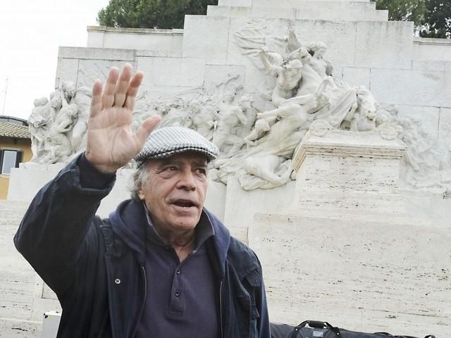Enrico Montesano: dal PSI al PDS, fino alle piazze No Vax
