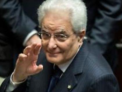 Sergio Mattarella, la telefonata d'urgenza di Conte. Manovra, lo spettro dell'esercizio provvisorio