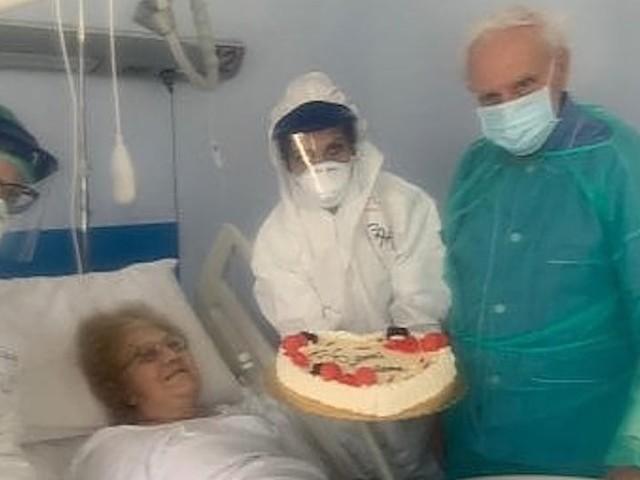 Coronavirus: Umberto e Maria, festa a sorpresa in ospedale per l'anniversario