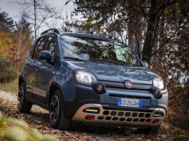 """Fiat Panda Cross premiata miglior crossover dell'anno dalla rivista inglese """"4x4"""""""