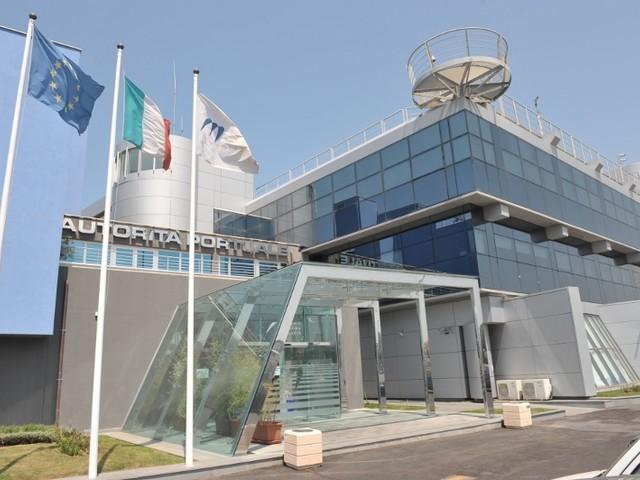 Concessione della darsena traghetti: tutto tace a Molo Vespucci