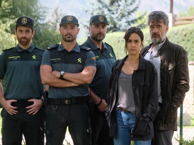 "Megan Montaner torna su Canale 5 con un thriller internazionale: ""La caccia. Monteperdido"""