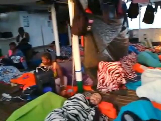 """Profughi sulla nave Open Arms: dal Tar via libera allo sbarco """"per eccezionale gravità ed urgenza"""""""
