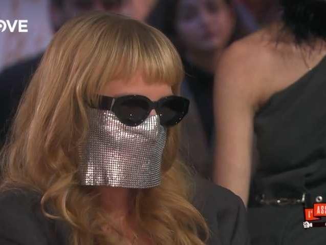 Myss Keta svela perché porta la maschera