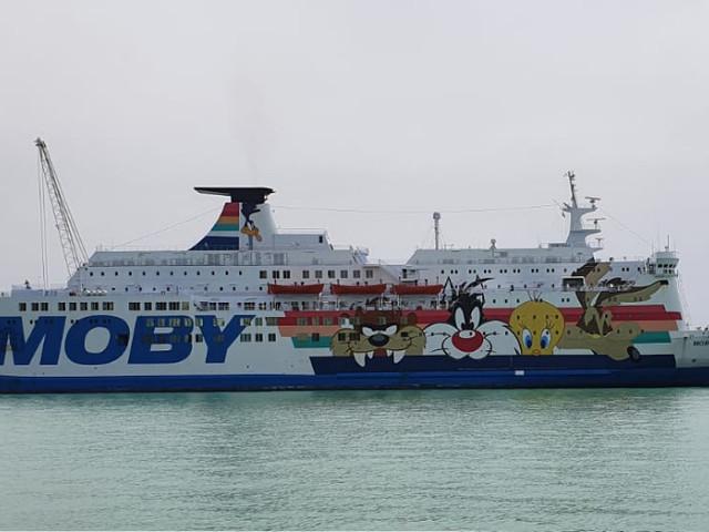 Moby Zazà, 169 migranti della nave quarantena saranno trasferiti a Crotone