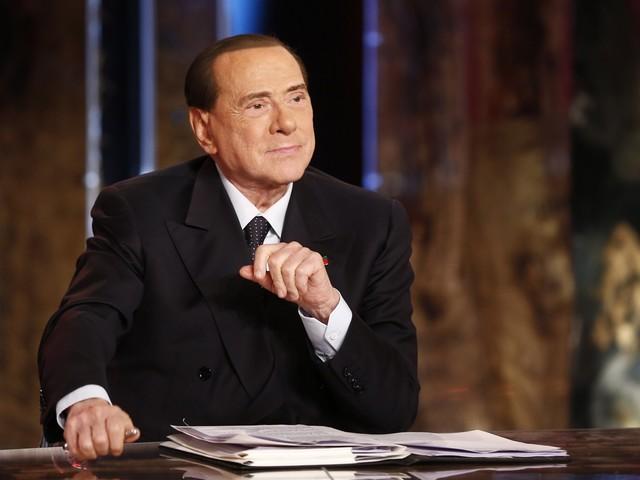 """Berlusconi: """"L'Iva peserà sulle famiglie Così si ridurranno i consumi"""""""