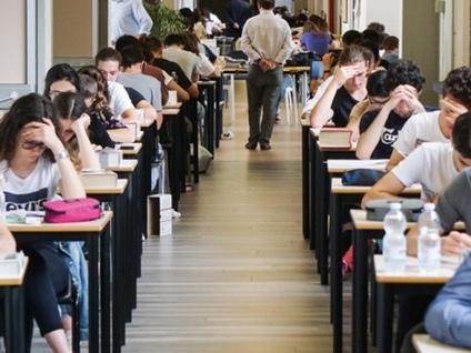 Scuola, l'8 giugno l'ultima campanella Esame di maturità per 8.892 studenti