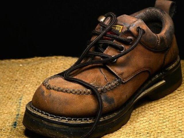 Come rimuovere la muffa dalle scarpe