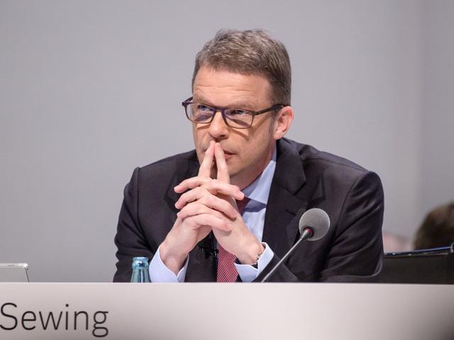 Salta Deutsche-Commerz. Ora il mercato scruta le mosse di Unicredit