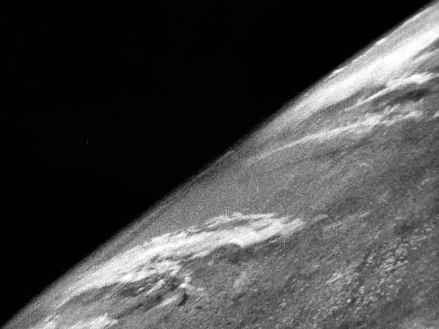 75 anni fa la prima foto della Terra dallo Spazio, scattata usando un razzo nazista