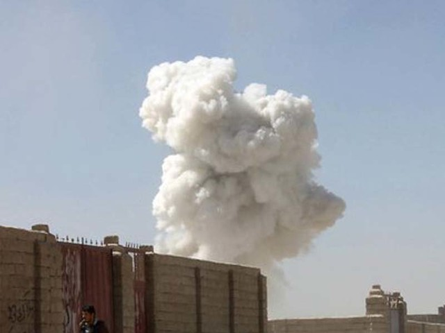 Afghanistan, kamikaze su autobomba: 10 soldati morti/ Talebani rivendicano attentato