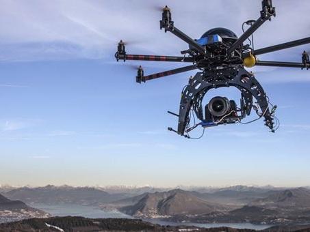 Enac, siglato protocollo di collaborazione con città di Torino per utilizzo droni in ambito urbano