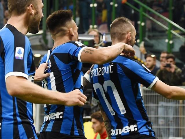 Champions League, la programmazione tv: Inter-Barcellona in chiaro su Canale 5