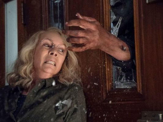 Halloween Kills: Jamie Lee Curtis condivide la prima foto dal set