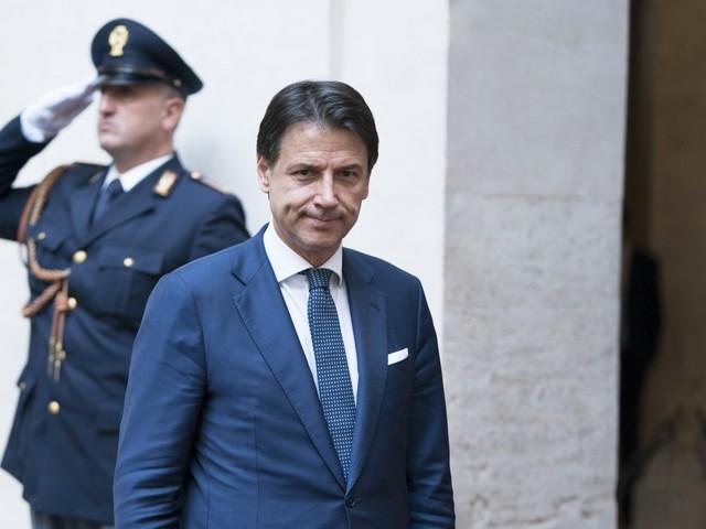 L'8 Settembre di Conte, il premier inesistente Renzi: serve Bertolaso