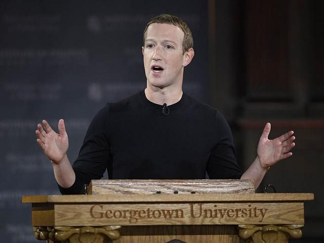 Zuckerberg loda l'utilizzo di Facebook nelle proteste, ma intanto chiude decine di pagine pro curdi