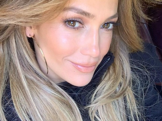 """Jennifer Lopez risponde all'hater: """"Ti mando tanto amore"""""""