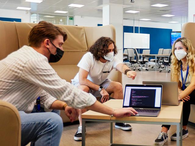 Apple continua ad investire nella Developer Academy di Napoli