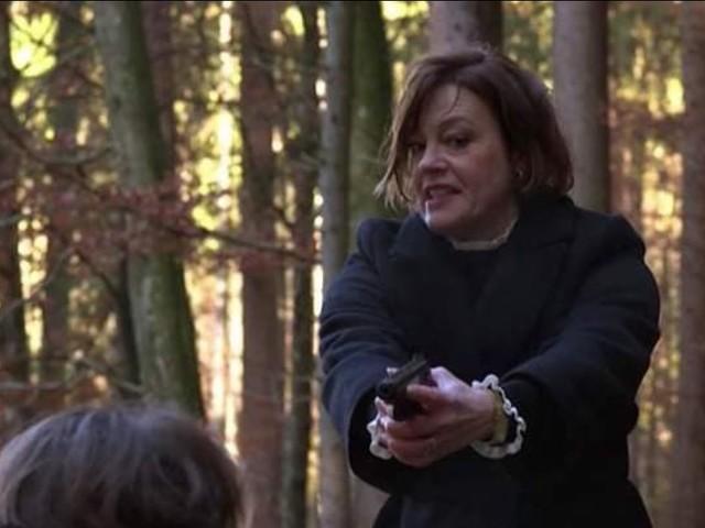 Tempesta d'amore, anticipazioni italiane: Xenia rapisce Joshua e spara a Denise!