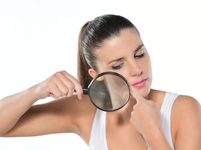 Verruche sul viso: cause e rimedi