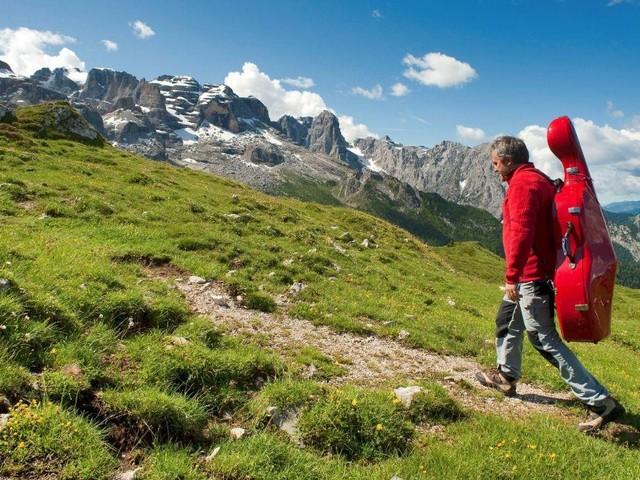Suoni delle Dolomiti: concerti e trekking tra i monti