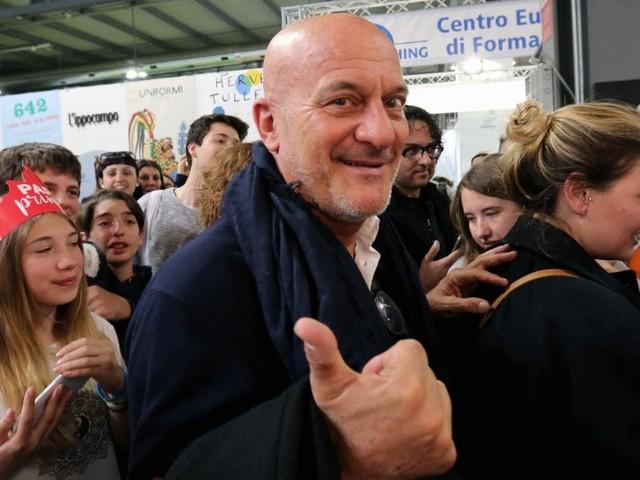 Milano Mon Amour, Bisio a caccia di giovani sceneggiatori: premi fino a 8500 euro