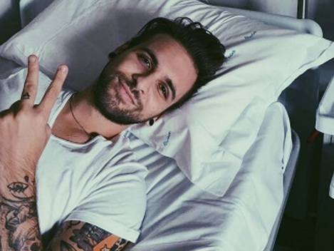 Alessio Bernabei in ospedale per una tonsillite