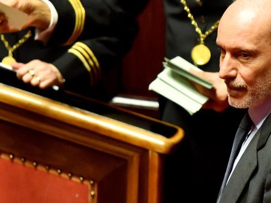 """De Falco ha fatto ricorso contro la sua """"espulsione abnorme e incostituzionale"""" dal M5s"""