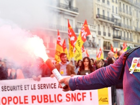 Uno sciopero paralizza la Francia