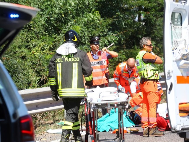 Scontro auto-moto, gravissimo incidente sulla Romea