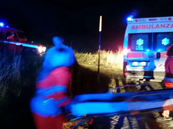Scontro auto-cavalla sulla Copertino-Galatina, due ragazzi feriti. L'animale è morto Incidente nella notte