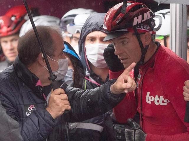 Ciclismo: Cerny vince la tappa più triste del Giro, accorciata per la ribellione dei corridori