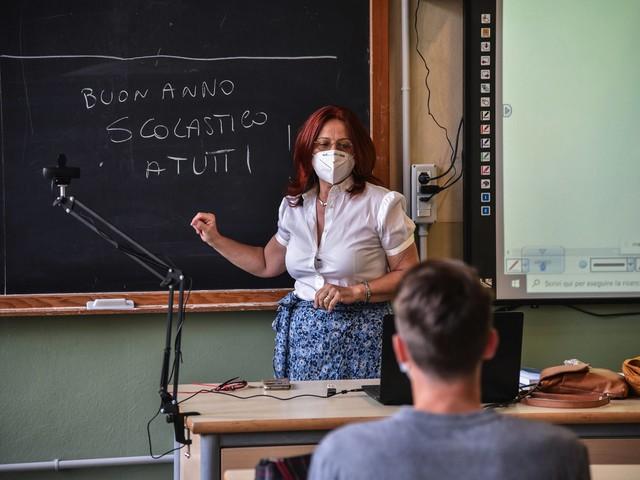 Coronavirus in Trentino, oggi altri 23 contagi Quasi tutti casi sparsi, ositivo anche un minore Scuole, una quindicina le classi in quarantena