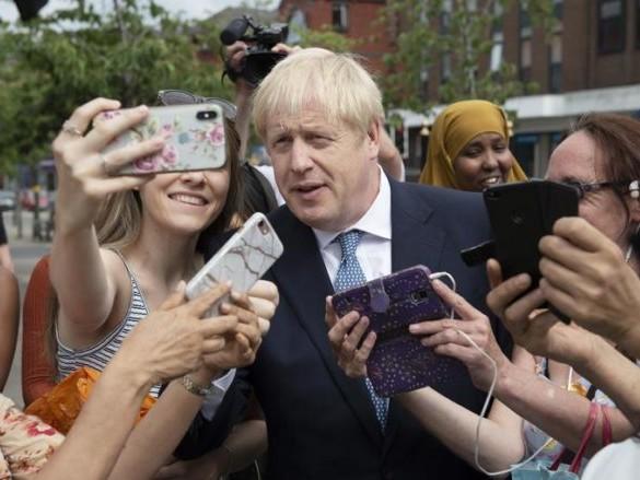 Brexit: Merkel riceve il premier britannico Johnson, è lei che decide la strategia Ue