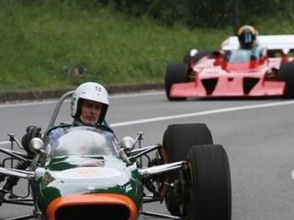 Domenica storia e velocità in Città Alta Torna il «Bergamo Historic Gran Prix»