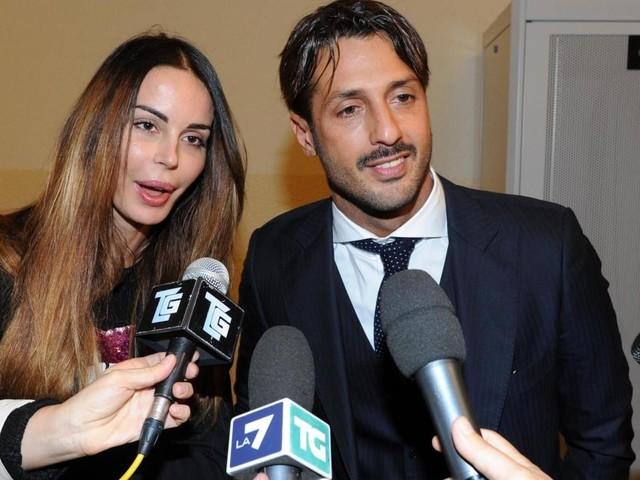 Nina Moric e Fabrizio Corona insieme a scuola dal figlio Carlos