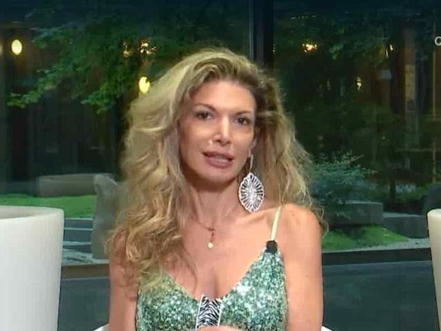 """Maria Monsè; """"Mia figlia Perla felice con naso rifatto""""/ Ema Stokholma: """"Brutto..."""""""