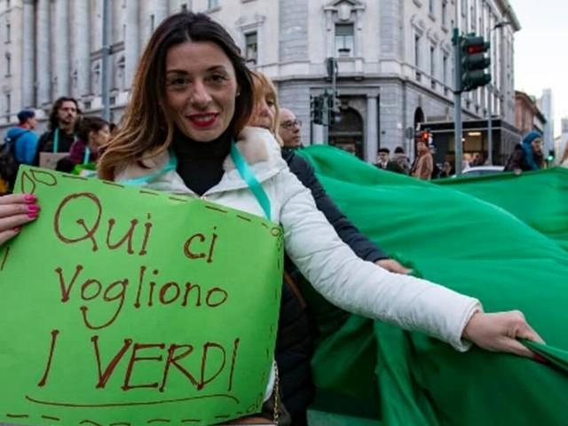 """Dopo 14 anni i Verdi si ripresentano alle elezioni di Torino: """"Non siamo il partito dell'alberello"""""""