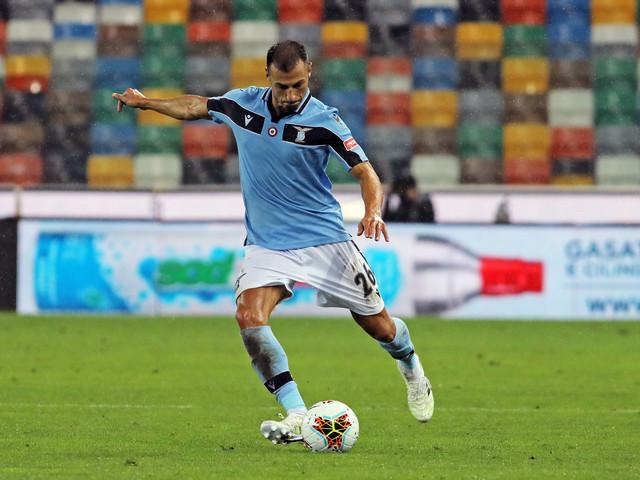 Auguri Radu! Il difensore spegne le candeline per la dodicesima volta con la maglia della Lazio (FOTO)