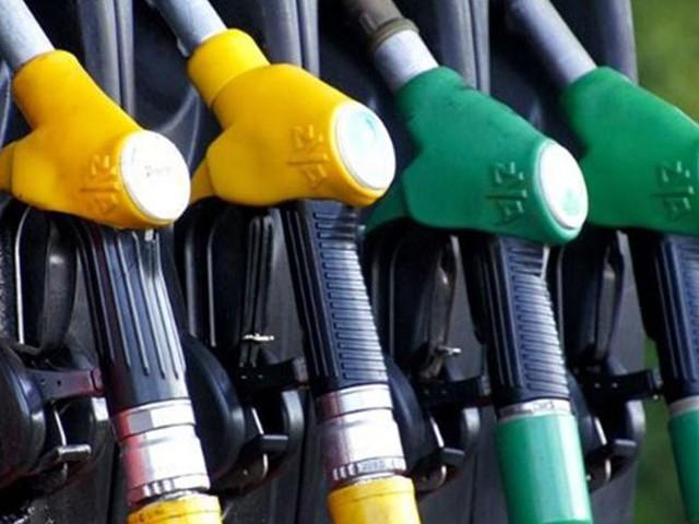 Cambiano i nomi di benzina e diesel: le nuove sigle stabilite dalla direttiva europea